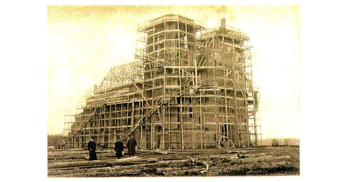 zapyzkio baznycios statybos