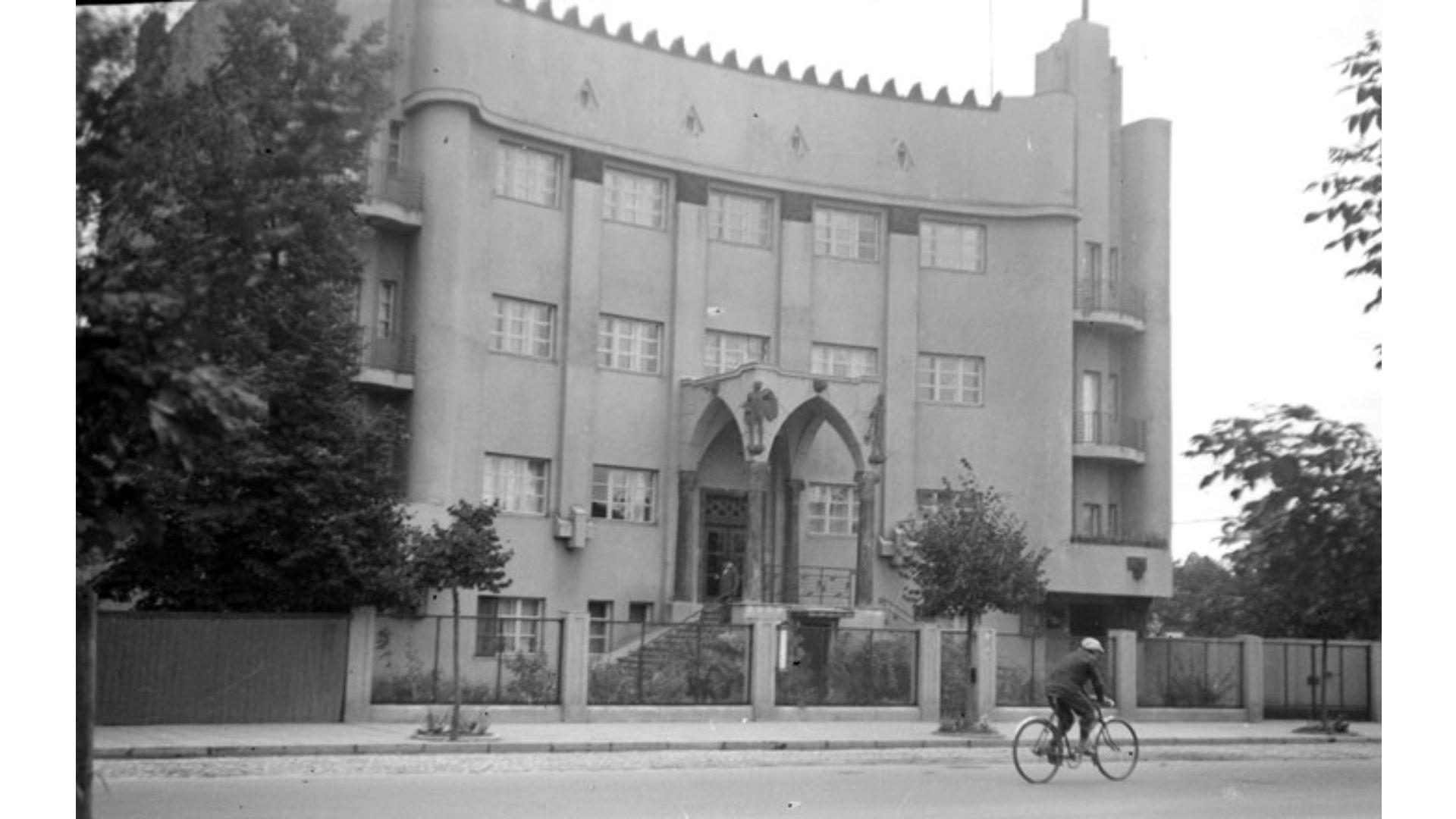 peras posvianskio ir kliso namas vytauto 58