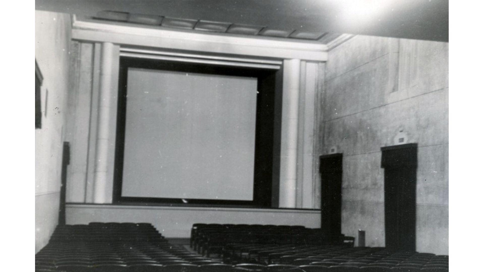 kino teatras pasaka istorine